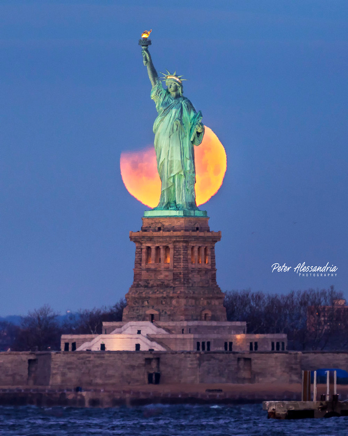 Statue of Liberty Super Moon Eclipse